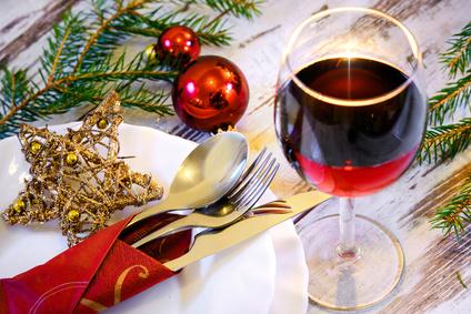 Festlich gedeckter Tisch für Weihnachtsfeiern. Copyright: Visions-AD