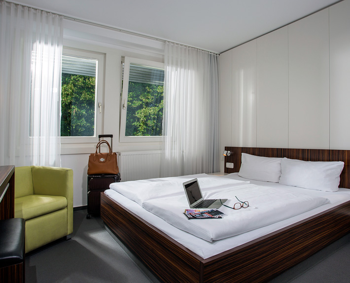 "Guest house ""Berlin"" (3 stars superior): Double room. Photographer: Sebastian Runge"