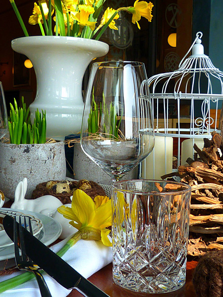 Oster-Arrangement im Restaurant Wintergarten