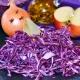 Rotkohl, gehackt auf Steinbrett mit Zwiebel, Apfel, Lorbeer. Copyright: RitaE. pixabay #2059958